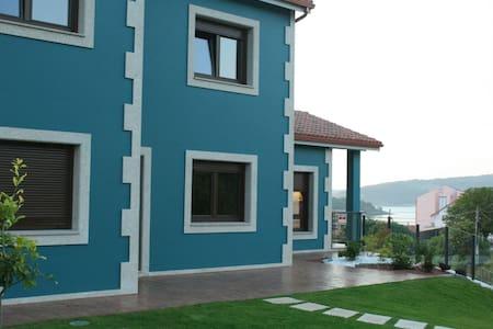 New villa in delightful place - La Coruña - House