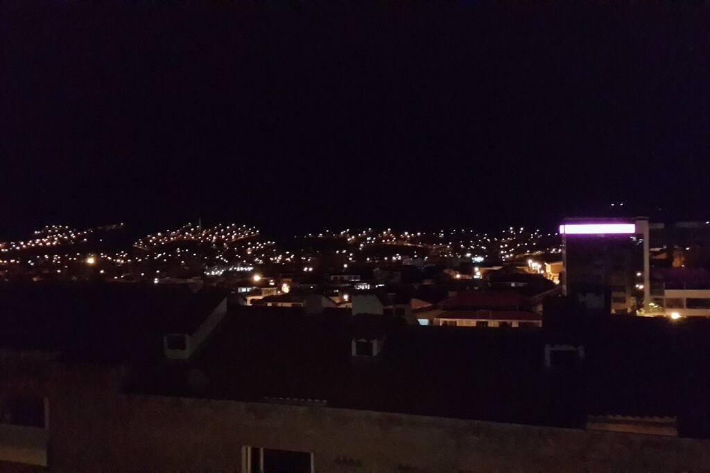 View of Cusco from the living room. Vista de la ciudad desde la sala.