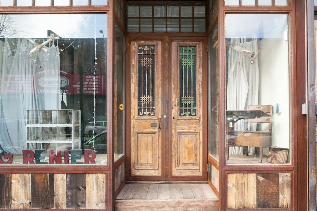 Historic River Storefront w/Garden