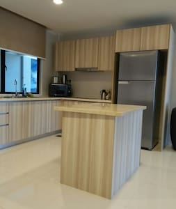 Beachfront 2 bedroom 2 bath unit - Appartement