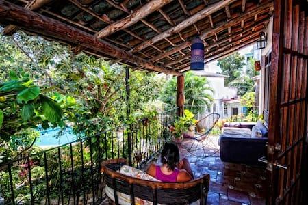 Sak Nah Guest House room 1