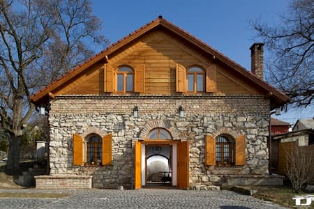 Nice vacation in CIFRA wine cellar - Pis