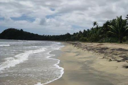 barefoot travelers rooms guesthouse - Punta Santiago