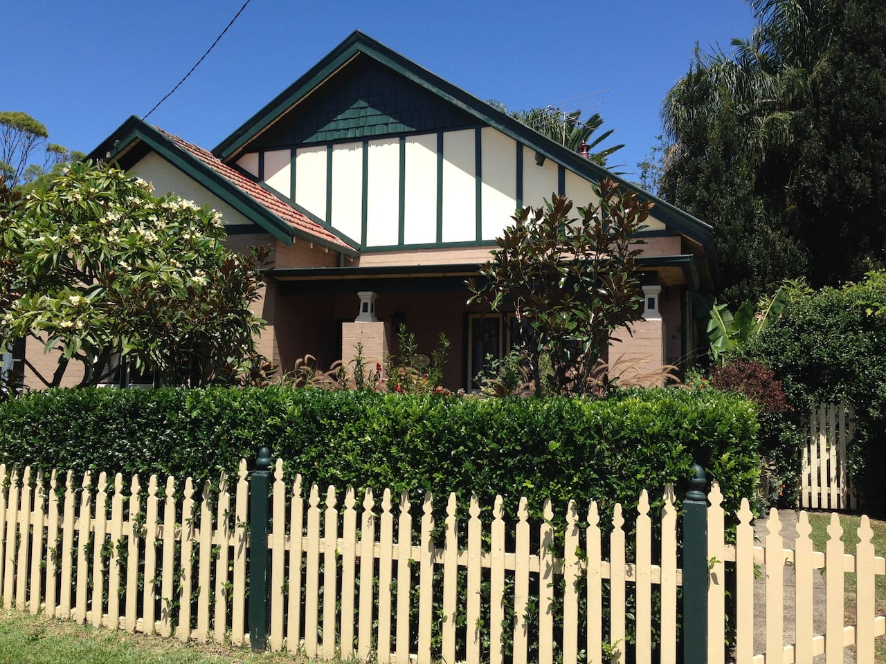 Beautiful 1910 Edwardian house in Manly area