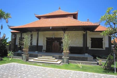 Luxurious holiday villa Xzota Bali