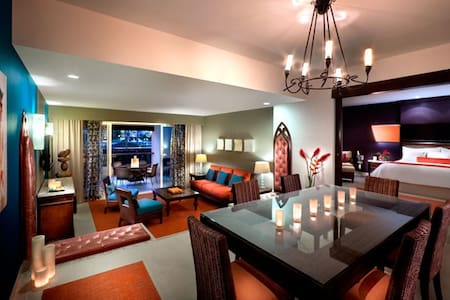 All-Inclusive,Two Pers. Hard Rock Hotel and Casino - Apartment