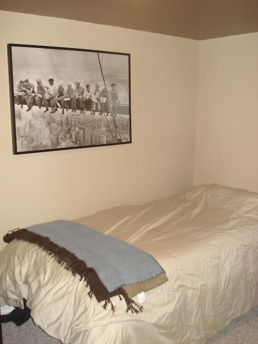 Spare bedroom with single bed