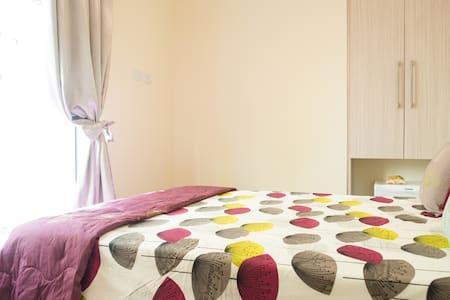 Casa Inglesa Boutique GH room 1 - Bed & Breakfast