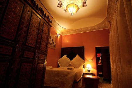 Double bed, Riad Layalina Fes - Bed & Breakfast