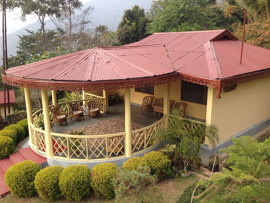 Superior Deluxe cottage with two double rooms with two bathrooms and a common sitting room.