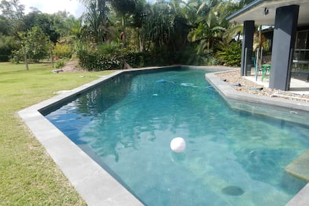 Extra Large Family Home - Cooroibah