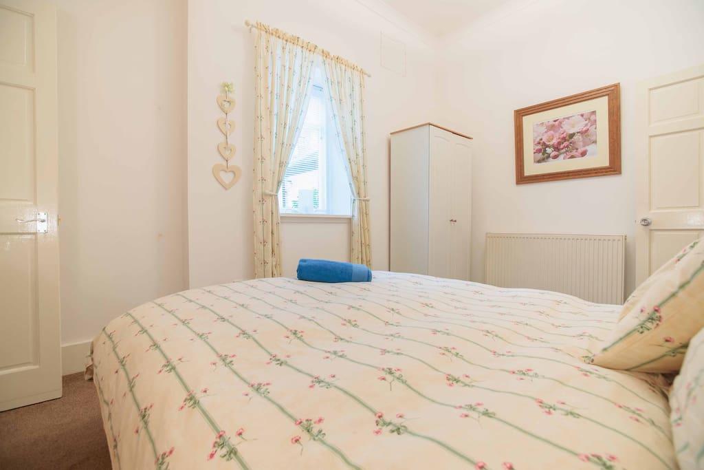 En-suite Double Room Glasgow 10 min