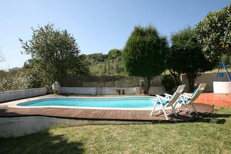 Casa Rustica com piscina e jardim