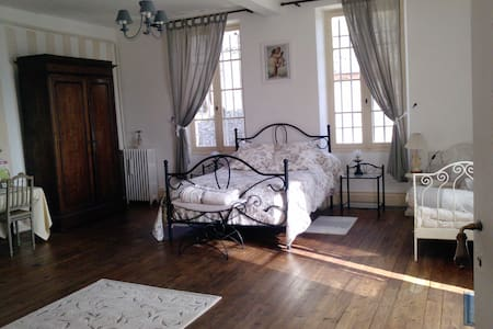 Mademoiselle's room 32 m², private terrace overlooking. Bathroom with bathtub. adjacent toilet  1 double bed and up to 3 single beds
