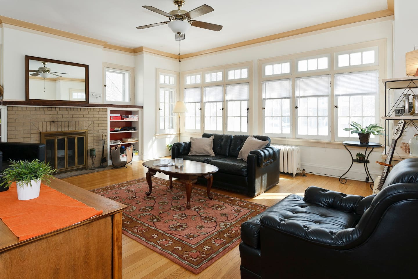 Your Oak Park 'home-away-from-home'