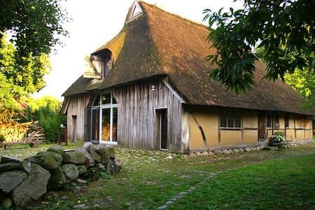 Ferien in historischer Bauernkate - Maison