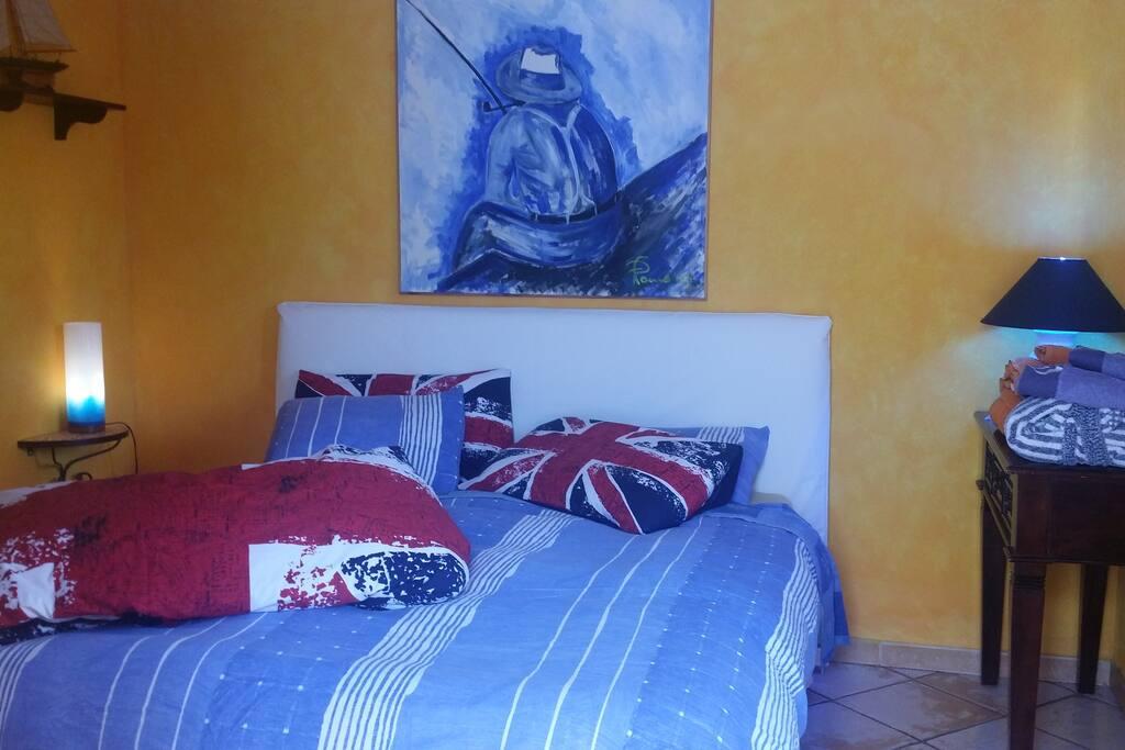 naif  double bedroom+ bathroom WIFI