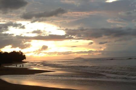 OCEAN-FRONT HOME RINCON RESORT TYPE - Aguada