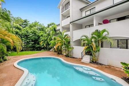 Cairns Resort Style Apartment