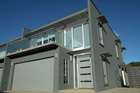 Griffith Prestige Apartments - Griffith - Apartment