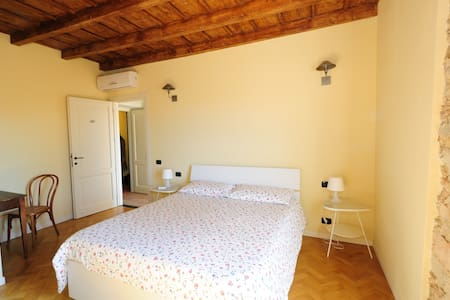 Cascina Il Colombee  B&B - Bed & Breakfast