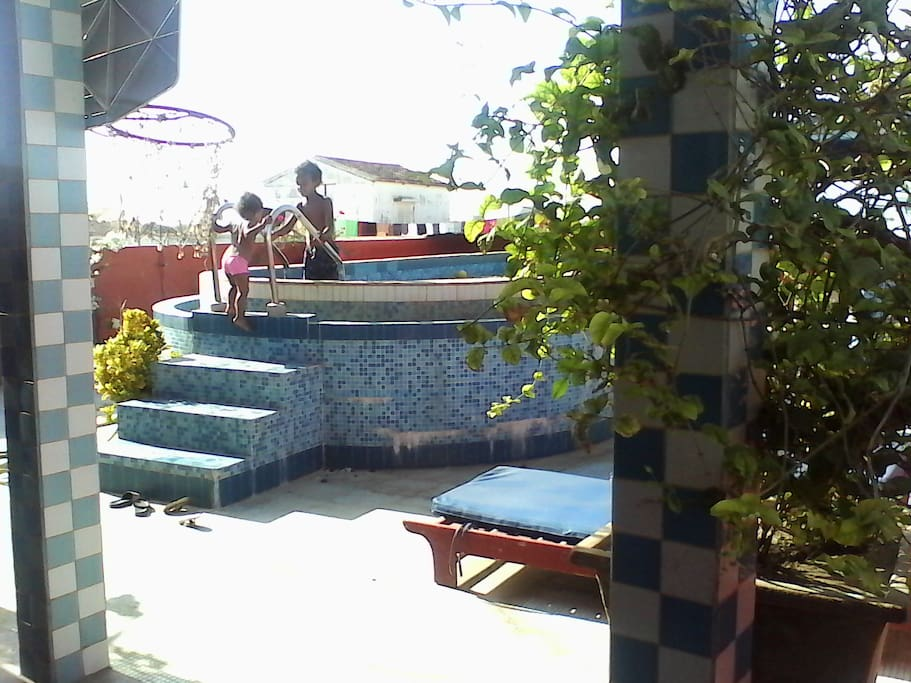 Access to roof top pool
