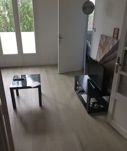 Great Studio 20 min away from Paris - Apartment