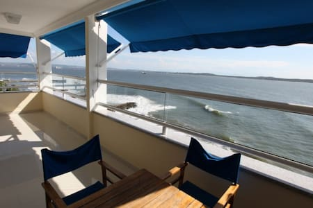 Stunning ocean front apartment with balcony - Cartagena - Daire