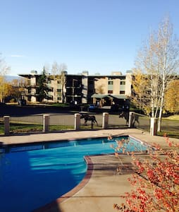 Ski-in Ski-out, pool, gym and spa! - Steamboat Springs - Condomínio