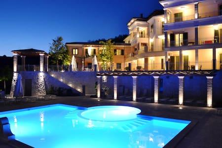 Monolocale con Terrazzo e spiaggia per 3 persone - Alba Adriatica - Bed & Breakfast
