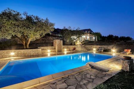 Villa Margi - Giarratana - Villa