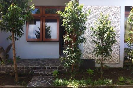 Babakan HomeStay - Singaraja