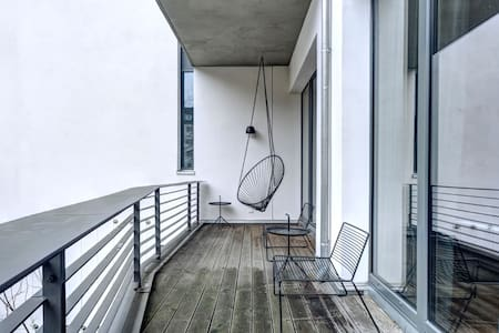 HOLLYWOOD 1 BED LOFT + FREE PARKING - Los Angeles - Apartment