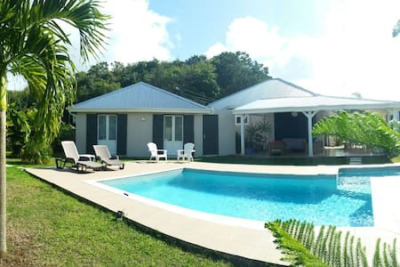 Top 20 morne a l eau vacation rentals vacation homes for Agencement cuisine guadeloupe