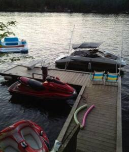 Muskoka Cottage on the Severn River - Coldwater - Rumah
