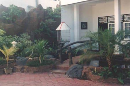 kamar ukuran 4x6 , ac, tv, hotwater - Mataram - Haus
