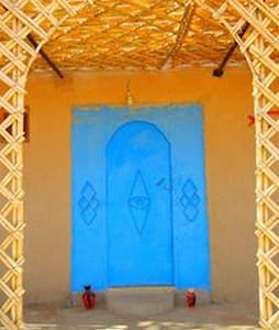 merzouga desert house , camel trek - Bed & Breakfast
