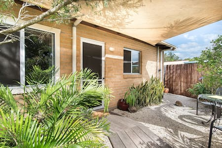 Lovely studio apt in central Mullum - Mullumbimby - Leilighet