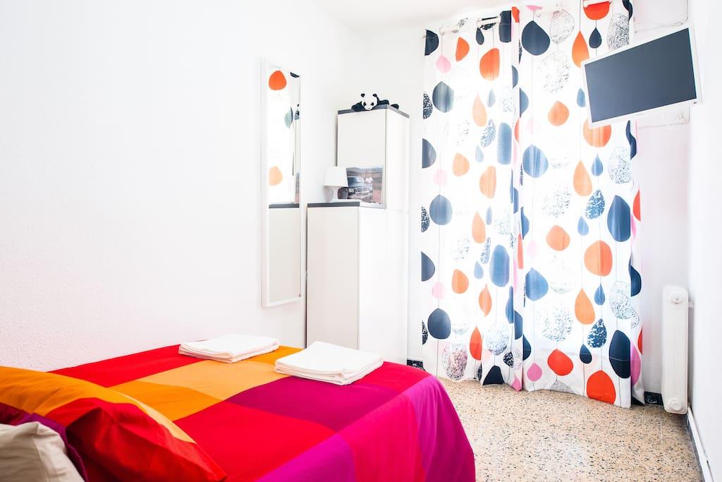 Sunny room in Eixample, Barcelona