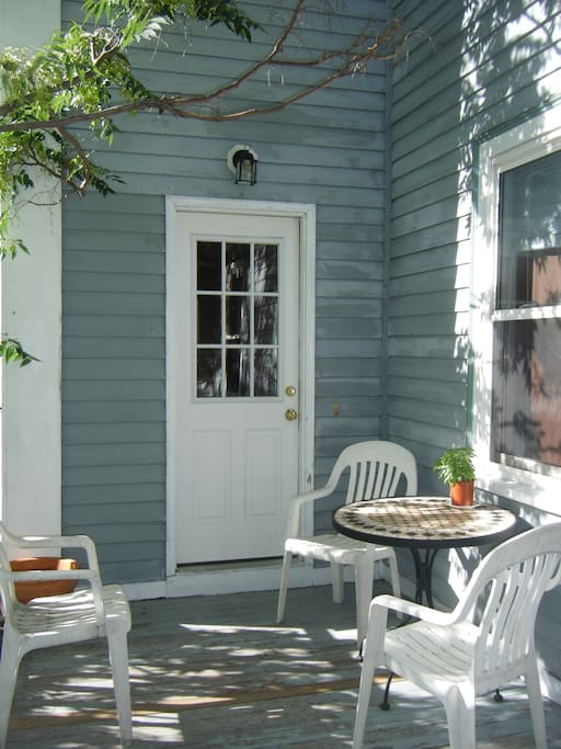 Charming, Cozy 2 br Townhouse