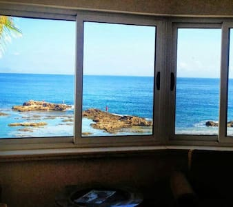 Cozy 1bedrom flat right by the Sea - Huoneisto
