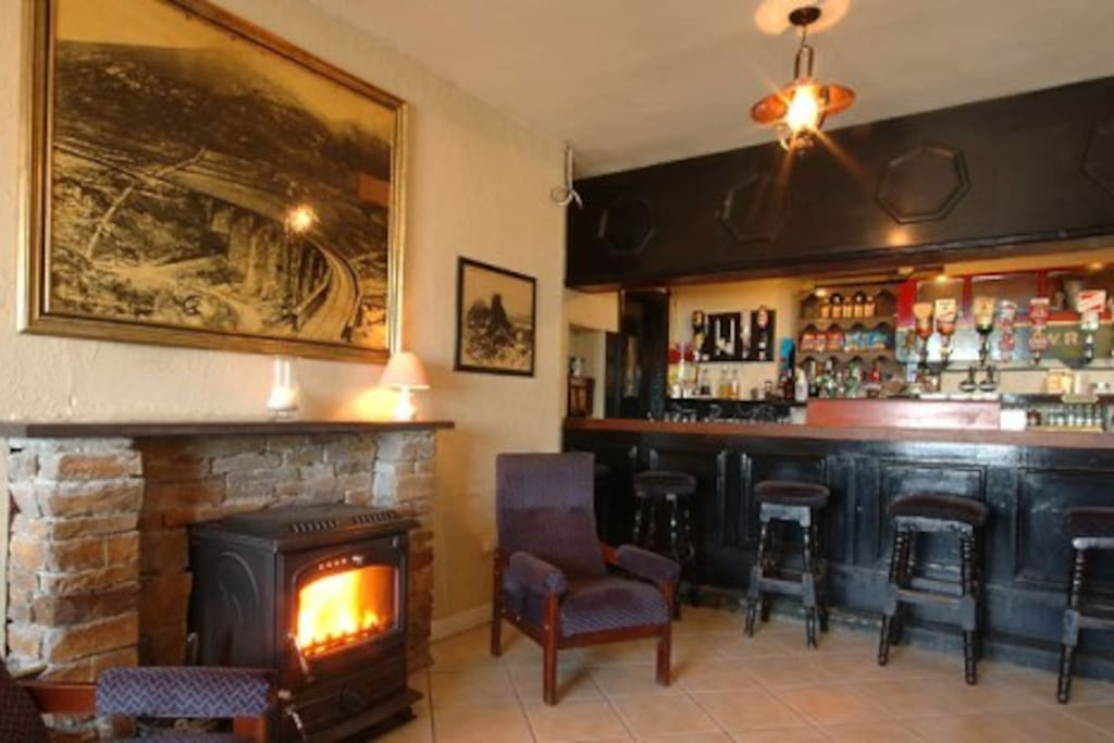 A Warm & Welcomimg friendly bar, Great Guinness & Irish Coffee.