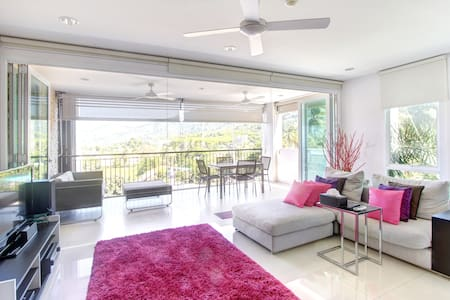 Beachside 2 Bed Condo in Surin