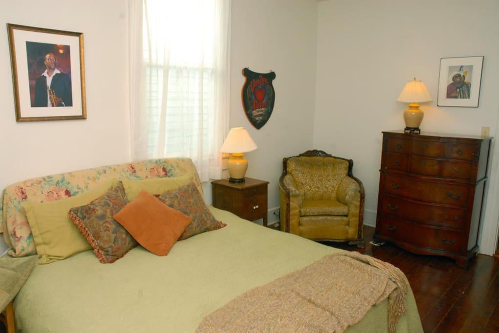 Master Bedroom, king bed, super COMFY!