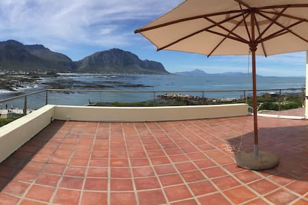 Family House 360 views at Penguins - Betty's Bay - Rumah
