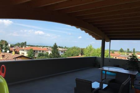 Splendido moderno attico con 70mq di terrazza - Fiume Veneto - Apartment