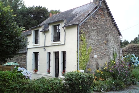 3 Bed Country Cottage, La Gacilly - Haus
