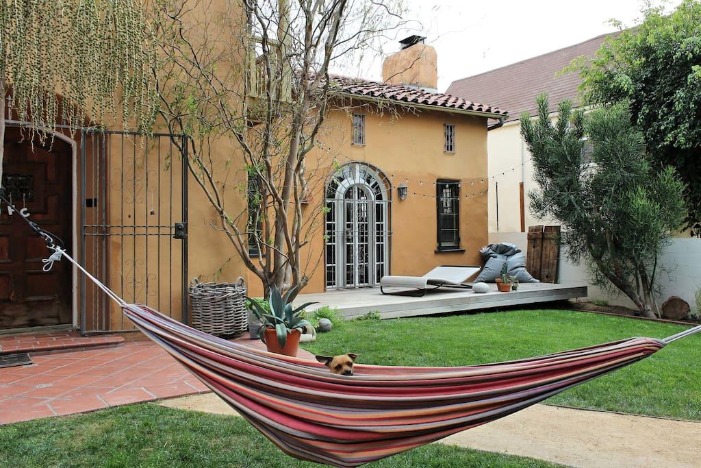 Modern Studio with private garden