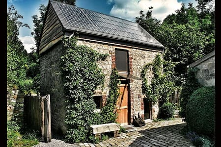 Exclusive house by the river Aisne - House