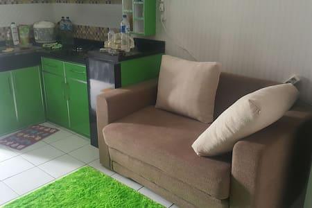 Cozy apartemen. With great view - bekasi - Huoneisto